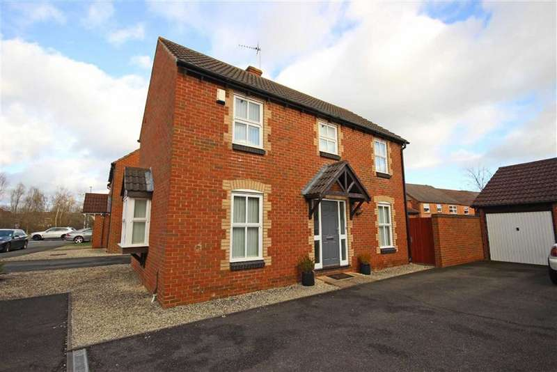3 Bedrooms Detached House for sale in Launce Grove, Heathcote, Warwick, CV34