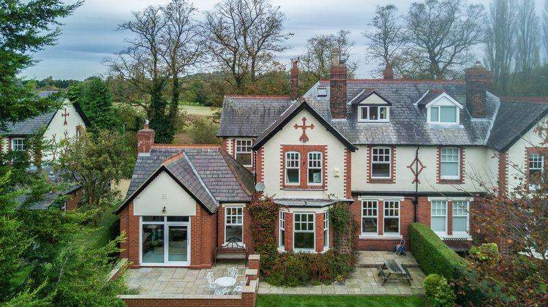 5 Bedrooms House for sale in Whitbarrow Road, Lymm