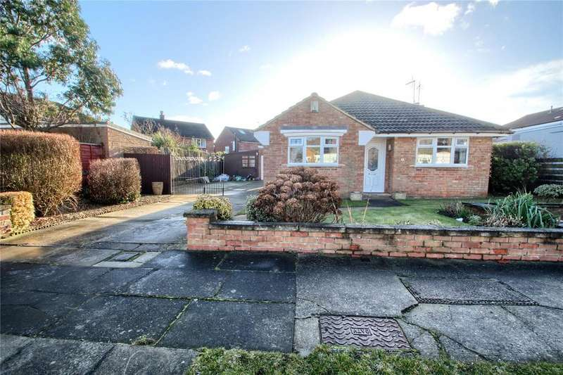 2 Bedrooms Detached Bungalow for sale in Astley Close, Fairfield