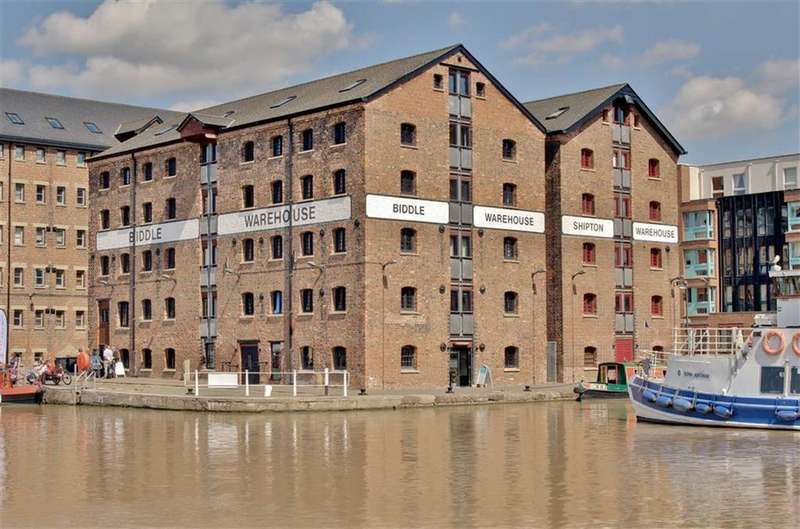 2 Bedrooms Apartment Flat for sale in Biddle Shipton, Gloucester Docks, Gloucestershire