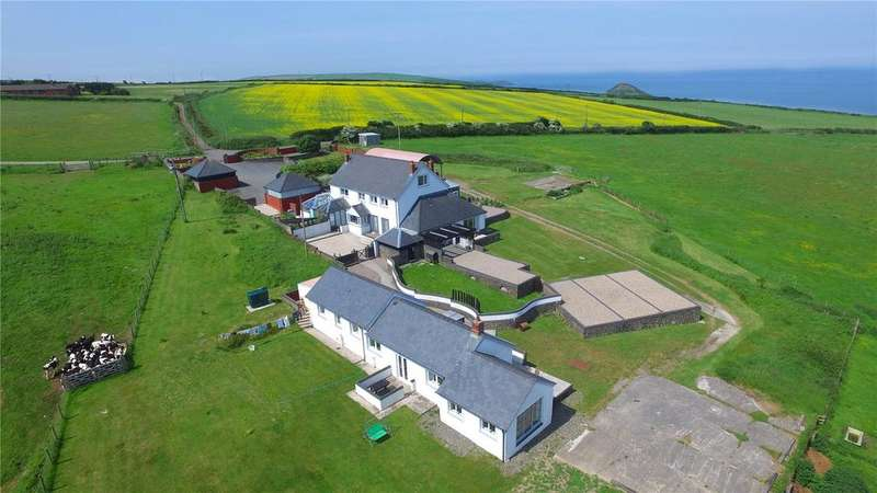 5 Bedrooms Detached House for sale in Nantmawr Farm, Nr Mwnt, Cardigan, Ceredigion, SA43