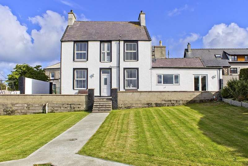 5 Bedrooms Detached House for sale in Pengorffwysfa, Llaneilian, North Wales