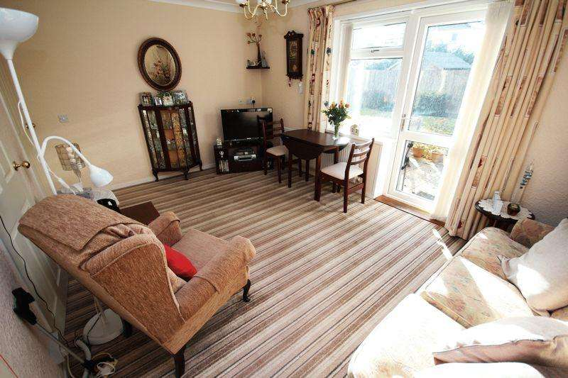 1 Bedroom Retirement Property for sale in Norbury Court, Fairwater