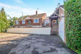 4 Bedrooms Detached House for sale in South Green, Sittingbourne, Kent
