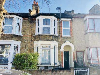 2 Bedrooms Flat for sale in Leyton, London