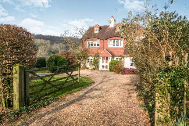 5 Bedrooms Detached House for sale in Kingsley Green, Haslemere, West Sussex