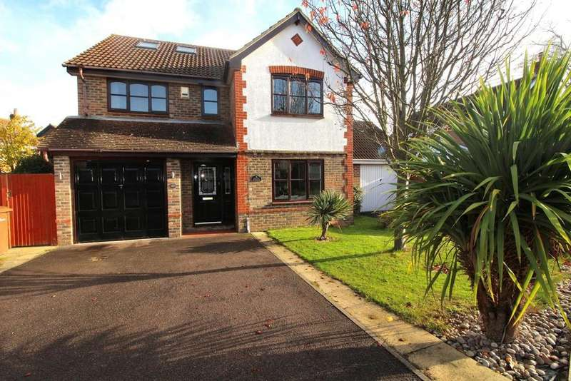 5 Bedrooms Detached House for sale in Pavitt Meadow, Galleywood, Chelmsford, Essex, CM2