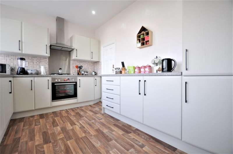 2 Bedrooms Terraced House for sale in Fordway, Blackpool, Lancashire, FY3 8JL