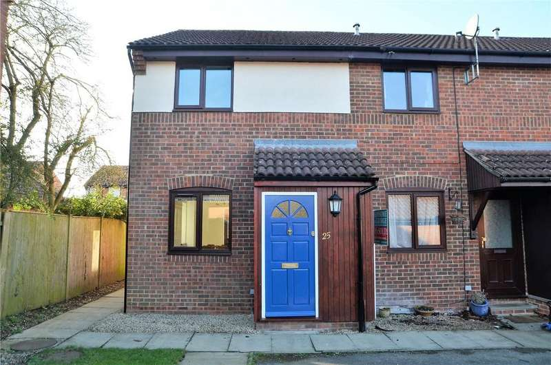 2 Bedrooms Terraced House for sale in Alderfield Close, Theale, Reading, Berkshire, RG7