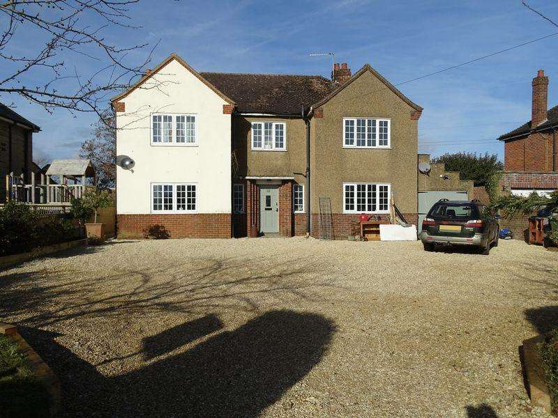 5 Bedrooms Detached House for sale in Beanacre, Melksham