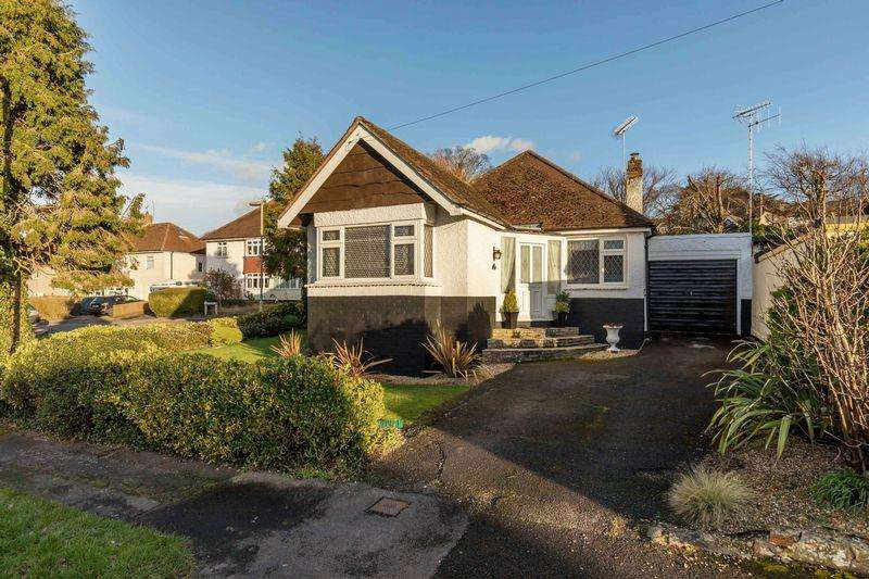3 Bedrooms Detached Bungalow for sale in Lone Valley, Widley, Waterlooville