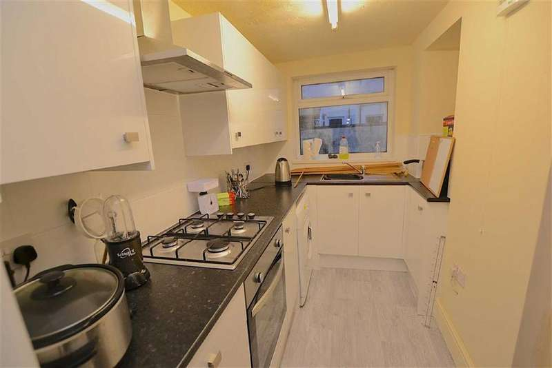 3 Bedrooms Terraced House for sale in Olympia Street, Burnley, Lancashire