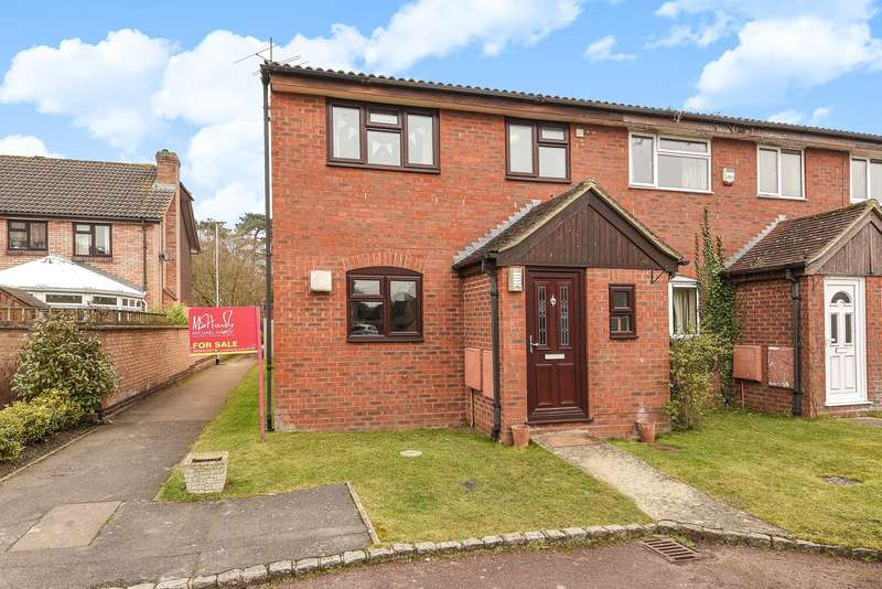 3 Bedrooms Terraced House for sale in Trent Close, WOKINGHAM, RG41