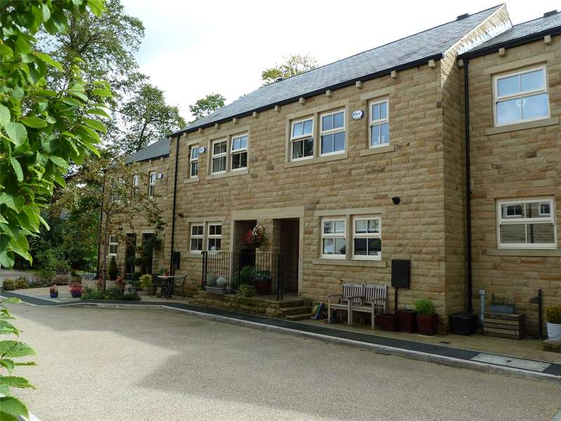 3 Bedrooms Terraced House for sale in Bowler Way, Greenfield, Saddleworth, OL3