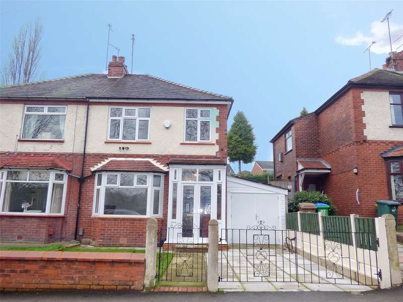 3 Bedrooms Semi Detached House for sale in Springfield Road, Middleton, Manchester, M24