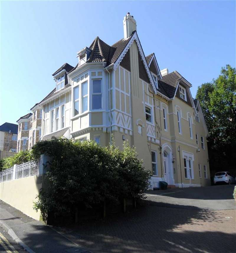 2 Bedrooms Flat for sale in Glengariffe, Bournemouth, BH2