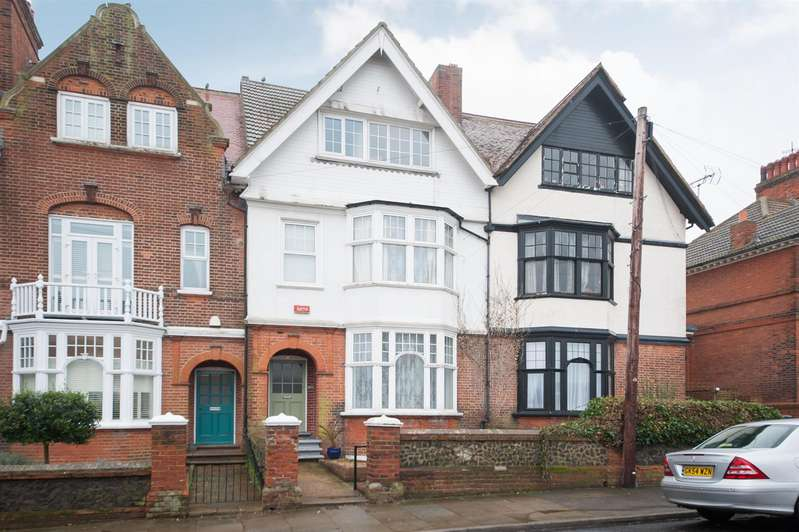 6 Bedrooms House for sale in Westgate Bay Avenue, Westgate-On-Sea