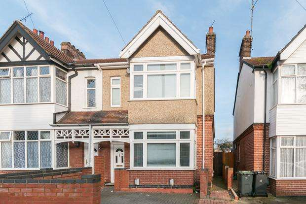 3 Bedrooms Semi Detached House for sale in Alexandra Avenue, Luton, LU3