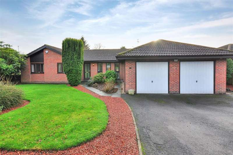 4 Bedrooms Detached Bungalow for sale in Broad Close, Woodborough, Nottingham