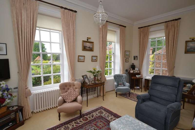 2 Bedrooms Apartment Flat for sale in Rolvenden, TN17