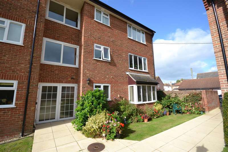 2 Bedrooms Property for sale in Meadow Court, Bridport