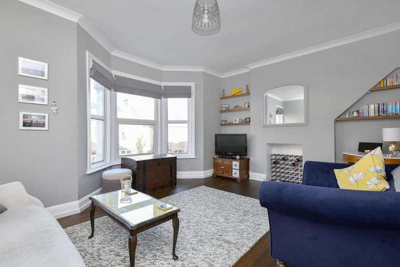 3 Bedrooms Flat for sale in Bartram Road, Brockley