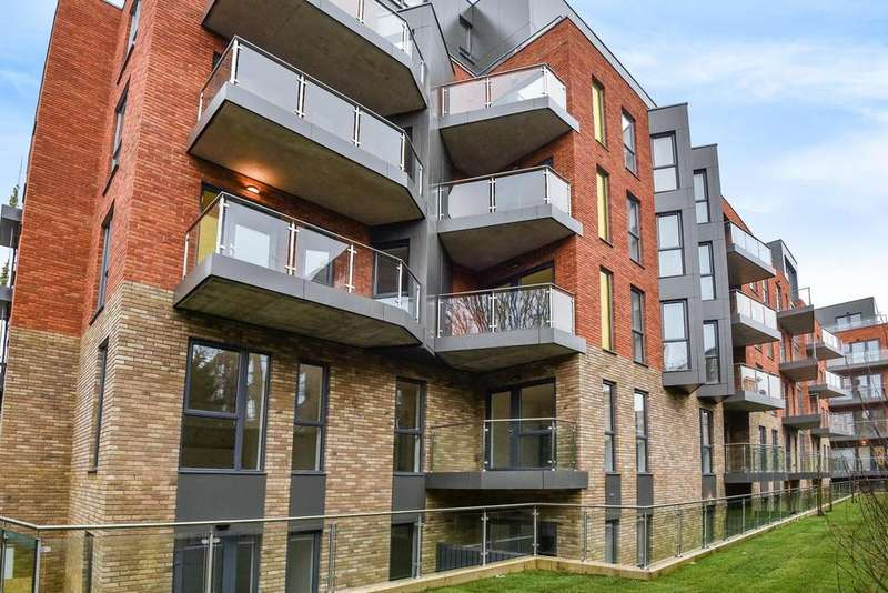 2 Bedrooms Flat for sale in The Walworth Collection, Waleorde Road, Walworth