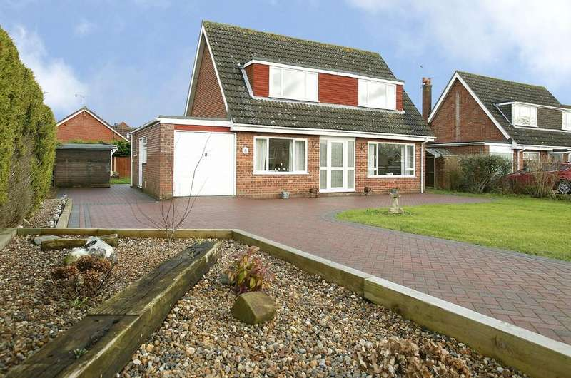 4 Bedrooms Chalet House for sale in Middlemarch Road, Dereham