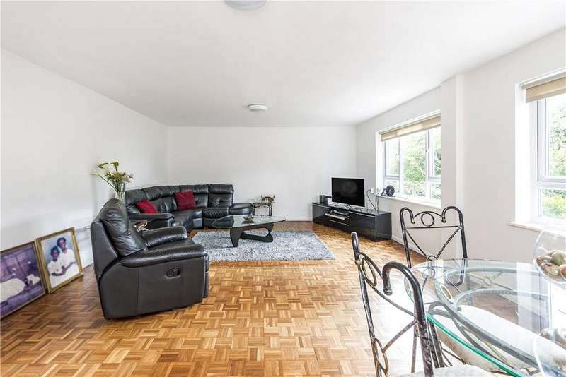 3 Bedrooms Apartment Flat for sale in Arundel Court, Arundel Terrace, Barnes, SW13