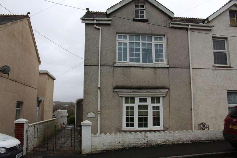 2 Bedrooms Semi Detached House for sale in Blaenau Road, Llandybie, Ammanford