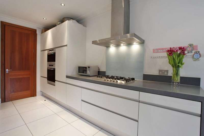 6 Bedrooms House for rent in Kingsley Way, Hampstead Garden Suburb, N2
