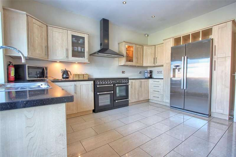 5 Bedrooms Detached House for sale in Saint Margaret's Grove, Redcar