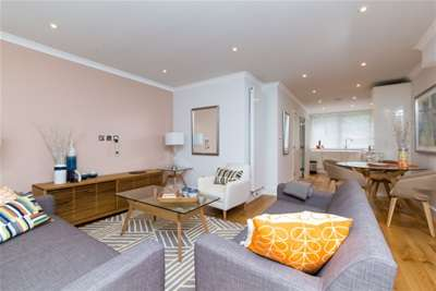 4 Bedrooms Terraced House for rent in Telford Terrace, Pimlico, SW1V