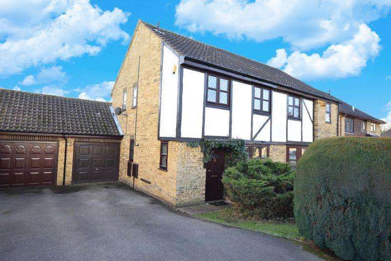 3 Bedrooms Semi Detached House for sale in Grove Green, Maidstone