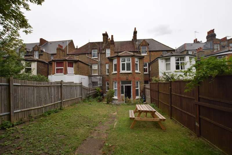 5 Bedrooms Terraced House for sale in Romola Road Camberwell SE24