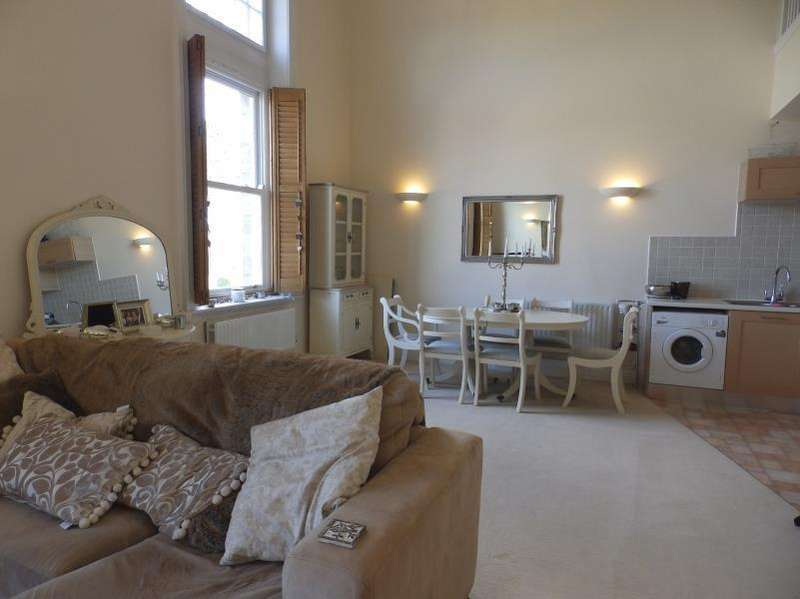 3 Bedrooms Apartment Flat for sale in LITTON COURT, MENSTON, ILKLEY, LS29 6BS