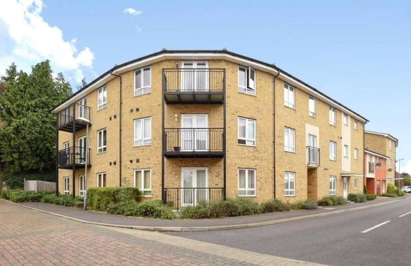 2 Bedrooms Flat for sale in The Roperies, High Wycombe, Buckinghamshire, HP13