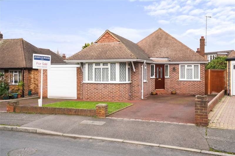 2 Bedrooms Detached Bungalow for sale in Fortescue Road, Weybridge, Surrey, KT13