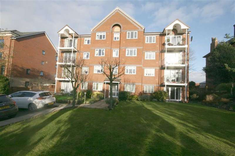 2 Bedrooms Apartment Flat for sale in 2 Park Ave, Southport