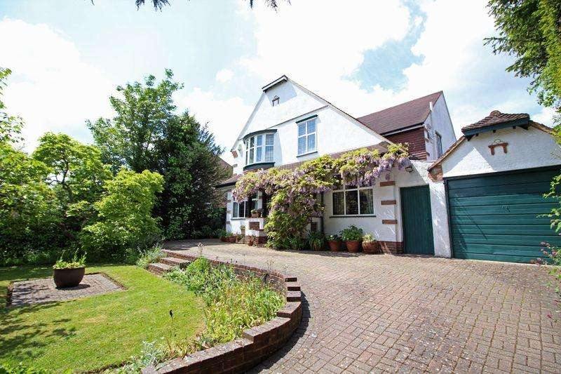 4 Bedrooms Detached House for sale in Manor Wood Road, Purley, Surrey