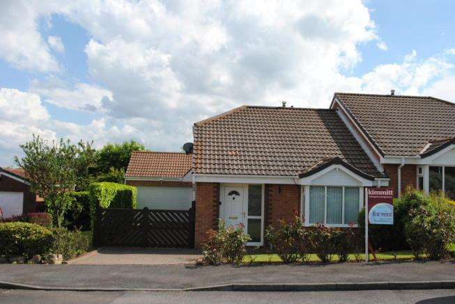 2 Bedrooms Semi Detached Bungalow for rent in Weymouth Drive, Seaham, SR7