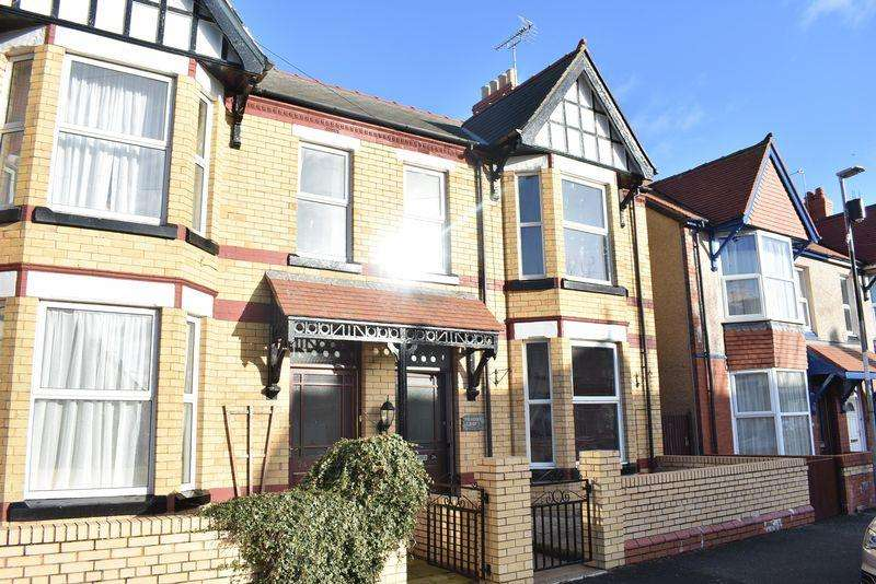 4 Bedrooms Semi Detached House for sale in Sandringham Avenue, Rhyl