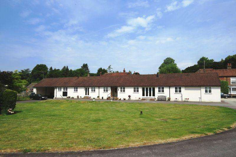 2 Bedrooms Detached Bungalow for rent in West Street, Hambledon, Nr Portsmouth/Petersfield, Hampshire