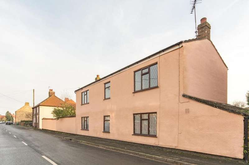 4 Bedrooms Detached House for sale in Park Street, Winterton, North Lincolnshire, DN15