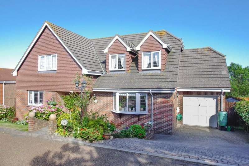 5 Bedrooms Detached House for sale in Peacock Close, Shanklin
