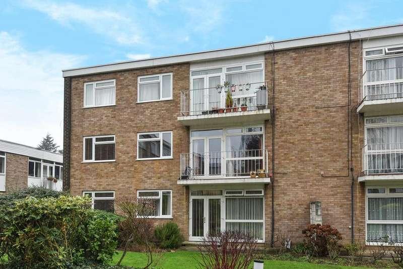2 Bedrooms Flat for sale in Rectory Road, Beckenham
