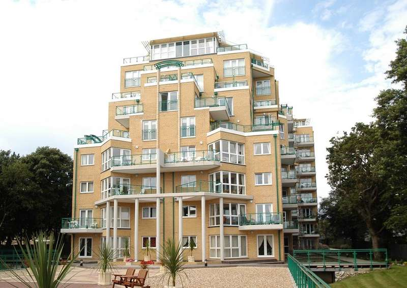 2 Bedrooms Apartment Flat for sale in Dunholme Manor, 55 Manor Road, Bournemouth BH1