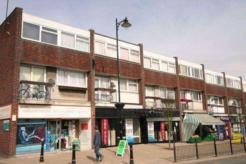 3 Bedrooms Maisonette Flat for rent in Spa Road, Rochford, Hockley