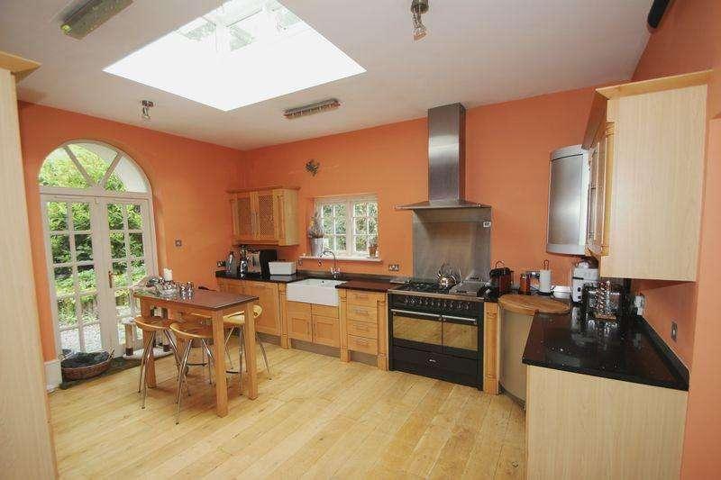 4 Bedrooms Detached House for rent in Nanhurst Park, Cranleigh