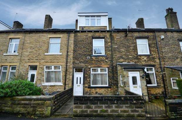 4 Bedrooms Terraced House for sale in Victoria Street, Bradford, West Yorkshire, BD14 6QT